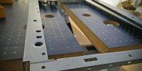 Inversión del chasis, limando el corte de los paneles frontales