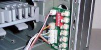 A+case, aspecto original circuito interior de control de ventiladores, termostatos y panel frontal iQ eye