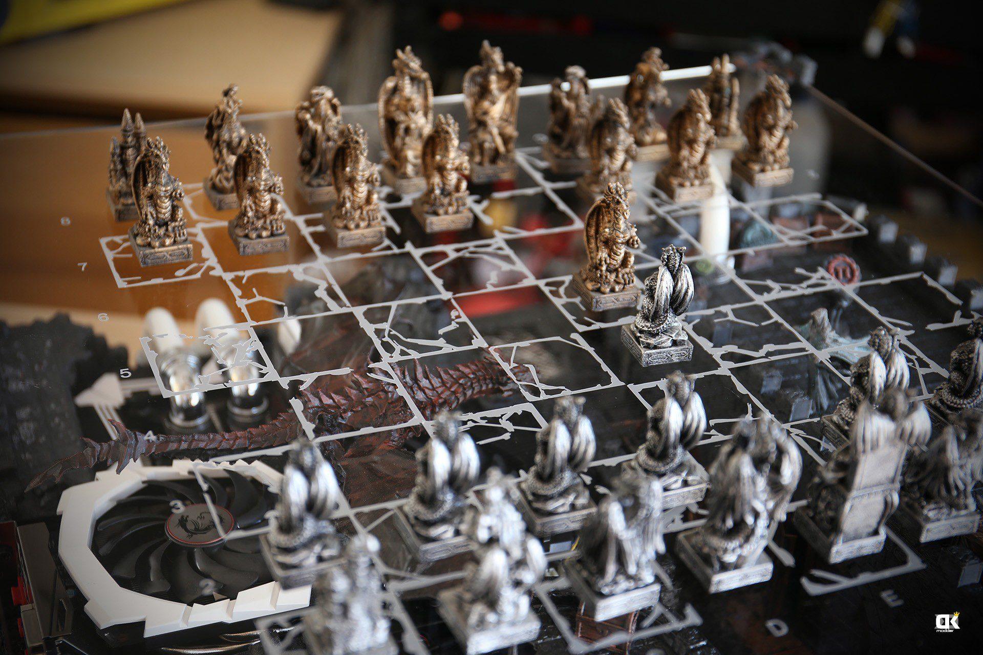 Thermaltake Core P5, chessmod by DeKa